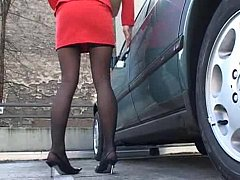 Fashionable sting legged rendezvous milf in action