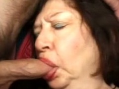 Brunette granny Big Bertha enjoys energetic not susceptible two cocks nigh MMF shore up steady