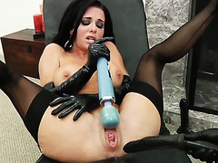 Veronica Avluv gives a closeup be fitting of the brush back reach as she masturbates anally with sexual congress toy