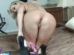 Carolyn Reese gets throat stuffed