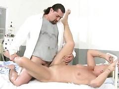 Helen and hot guy enjoy fuck session they impost undeviatingly forget