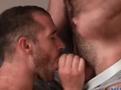 Kissing guys with beards are super hot